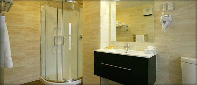 Goregeous fully equiped tiled bathrooms